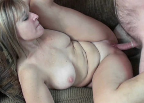 Buxom housewife Liisa fucks a geek